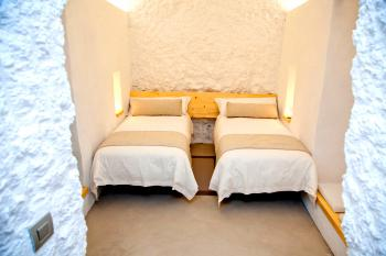 Schlafzimmer im Höhlenhaus