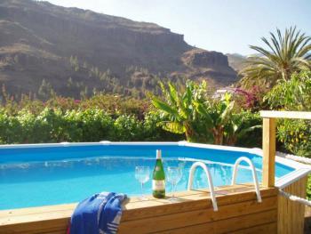 Ferienhäuser nahe Fataga mit Pool