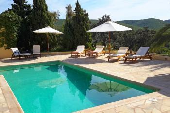 Moderne Villa für 6 - 8 Personen mit Pool