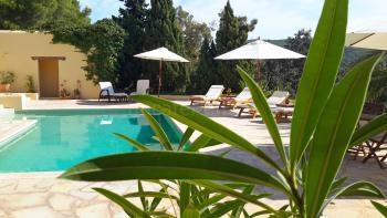 Villa mit Pool bei Sant Josep