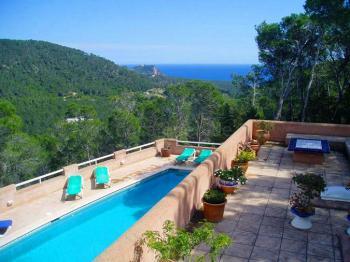 Moderne Villa mit Pool bei St. Carlos
