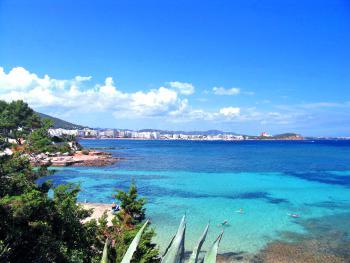 Bucht mit Blick auf St. Eulalia