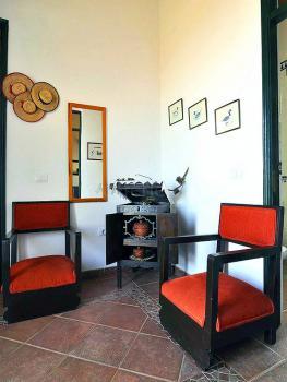 Sitzecke mit Grammophon