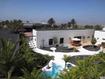 Ferienhaus mit Pool in Tequise