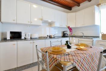 Küche mit Waschmaschine