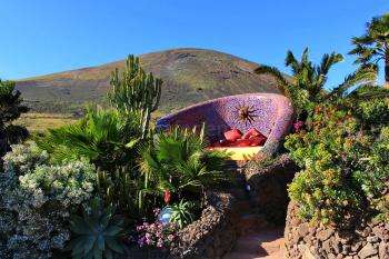 Sonnenbett im Garten