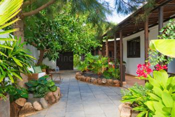 Ferienwohnung in tropischem Garten