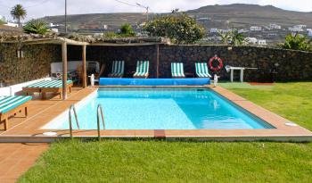 Kanarisches Ferienhaus mit Pool (beheizt)