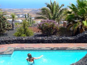 Garten, Pool und toller Meerblick