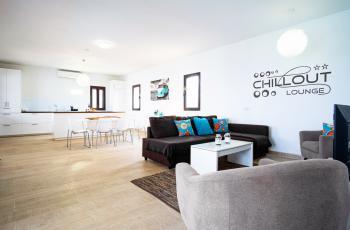 Wohnbereich mit Internet und Klimaanlage