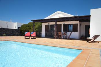 Ferienhaus mit Pool bei San Bartolomé