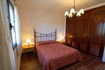 Schlafzimmer mit Doppelbett, Wohnbeispiel