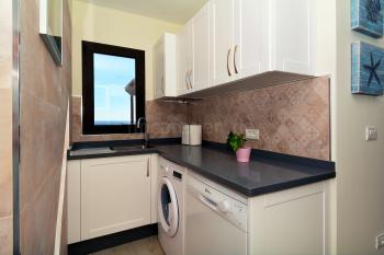 Geschirrspüler und Waschmaschine