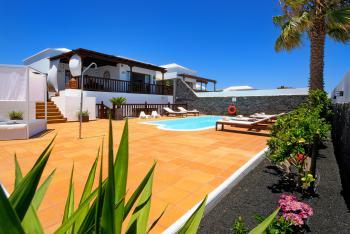 Villa mit beheiztem Pool und Klimaanlage