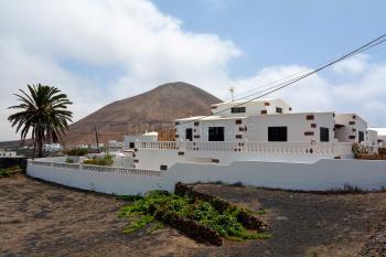 Kanarische Finca mit Pool in Tajaste