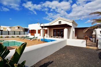 Playa Blanca - Ferienhaus mit beheizbarem Pool