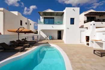 Strandnahes Ferienhaus mit Pool (beheizbar)