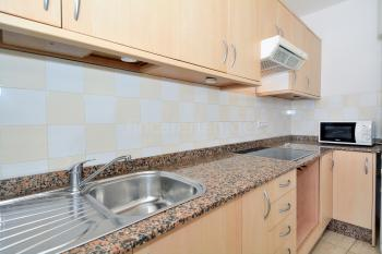 Moderne Küche mit Ceranfeld