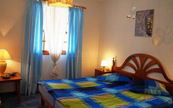 Schlafzimmer mit Doppelbett (Nr.2)