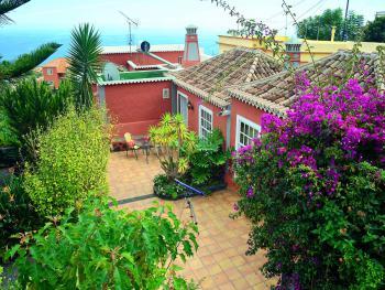 Ferienhaus mit Pool bei Brena Baja