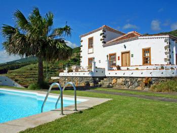 Ferienhaus mit Pool nahe Barlovento