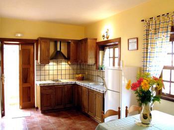 Küche mit Essbereich für 2 - 3 Personen