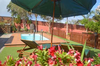 Landhaus mit Pool und Internet W-LAN