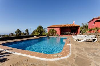 Ferienhaus mit Pool bei Puntagorda