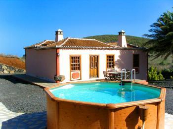 Ferienhaus mit Pool und Internet