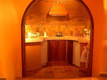 Halbrunde, offene  Küche
