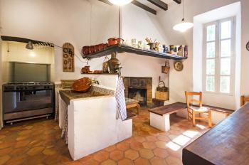 Mallorquine Küche mit Gasherd