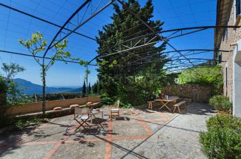 Große Terrasse mit Panoramablick