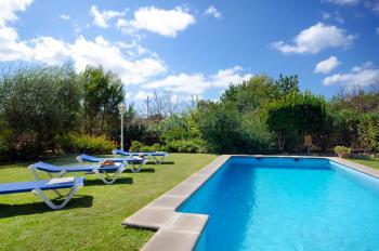 Kleine Finca mit Pool und Garten