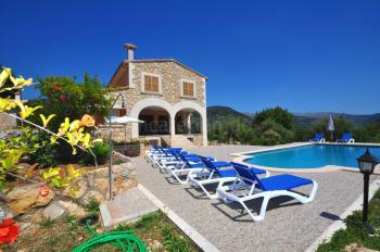 Ferienhaus mit Pool, Klimaanlage und Heizung