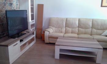 Sitzecke mit Sat-TV