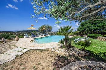 Familienurlaub: privates Ferienhaus mit Pool