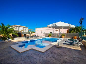 Ferienhaus mit eingezäuntem Pool