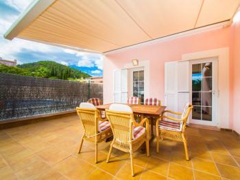 Terrasse mit Essplatz