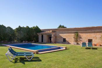 Pool, Grillecke und Außenbad