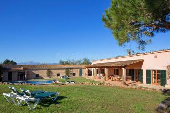 Ferienhaus mit Pool nahe Muro