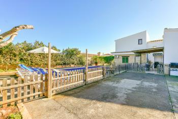 Kindersicherer Pool und Terrasse