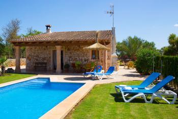 Kleines Ferienhaus mit Pool bei Santa Margalida