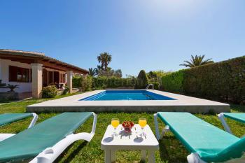 Kleines Ferienhaus mit Pool für 4 Personen
