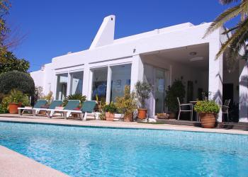 Ferienhaus mit Pool bei Cala Pi