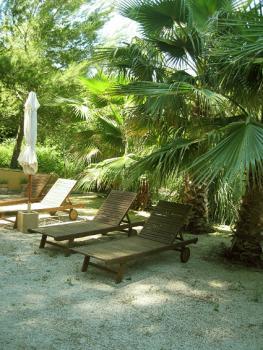 Terrasse im mediterranen Garten