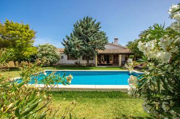 Kleines Ferienhaus mit Pool und Klimaanlage