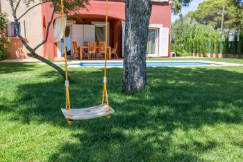 Garten mit Platz zum Spielen und Toben