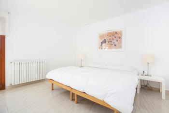 Schlafzimmer mit Klimaanlage, Heizung