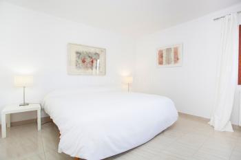 Schlafzimmer mit Klimaanlage,