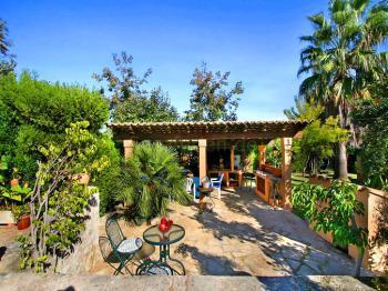 Aussenküche mit Terrasse